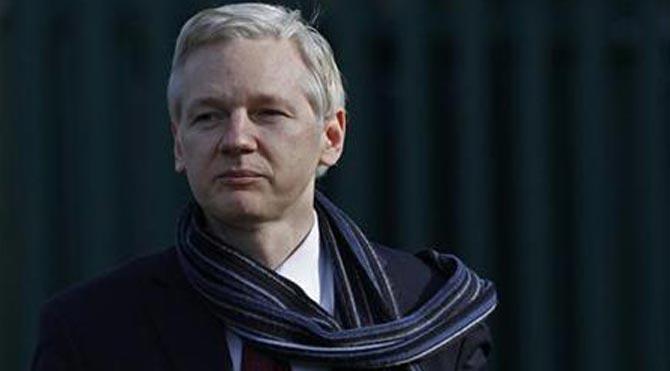 Julian Assange'ı İsveç savcısı sorgulayacak