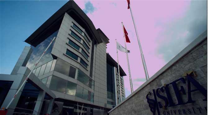 Şifa Üniversitesi'ne polis eşliğindeki baskına tepki!