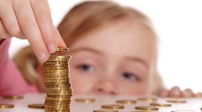 Çocuklar, harçlıklarını yönetmeyi öğrenmeli!