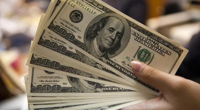 Dolar yeni haftaya kritik eşikte başladı