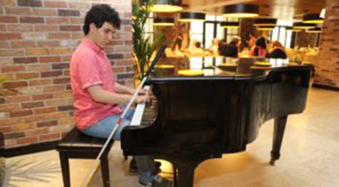 Görme engelli müzik öğrencilerine kabartma nota sistemi!