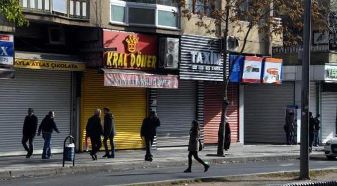 Diyarbakır'da kepenkler kapalı!