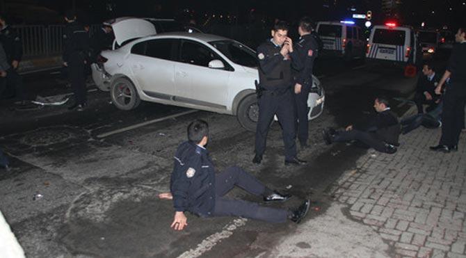 Asayiş uygulaması yapan polislere cip çarptı: 9 yaralı