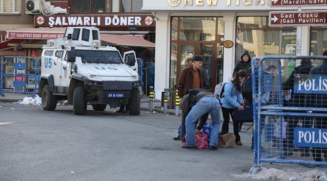 Diyarbakır karıştı: 2 ölü