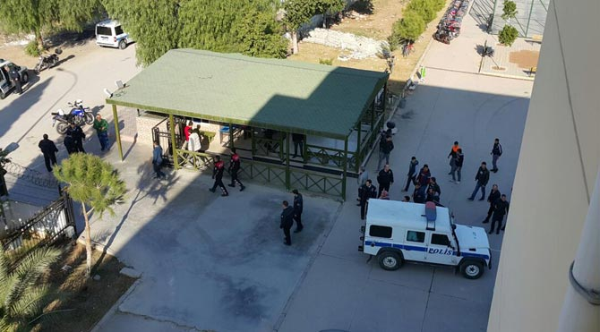 Pompalı tüfekle okul bastı