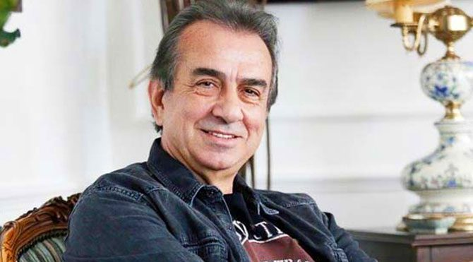 Erhan Yazıcıoğlu, Yılın Tiyatro Adamı seçildi