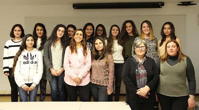 Üniversiteden kadına şiddete karşı bilinçlenme eğitimi!