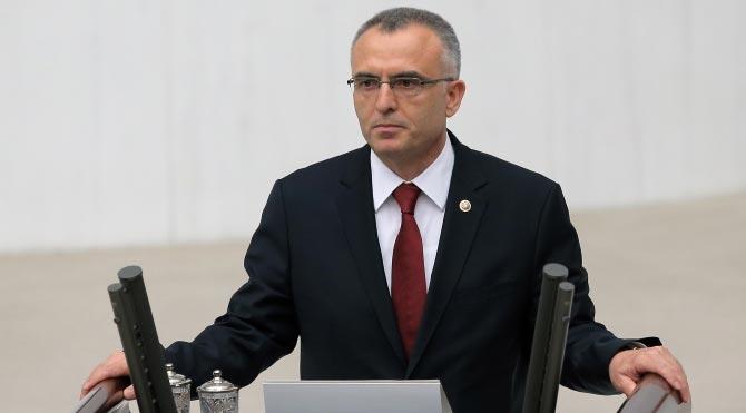 """Maliye Bakanı: """"Bütçeden faize giden paraları çatır çatır millete verdik"""""""