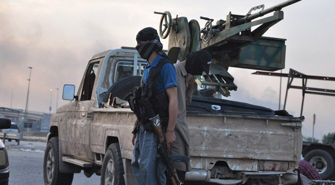 IŞİD'in petrol gelirlerine dokunulmuyor
