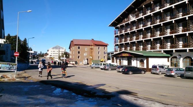 Uludağ`da tesisler yılbaşına hazır ama kar yok