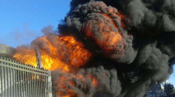 Rus savaş uçakları Azez`e saldırı düzenledi (2)