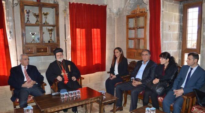 Mardin`deki Noel kutlamasında çatışmaların son bulması için dua edildi