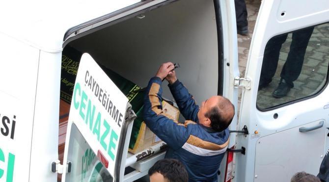 İstanbul`da öldürülen mühendis Zonguldak`ta toprağa verildi