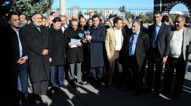 Diyarbakır`da hendeklere tepki