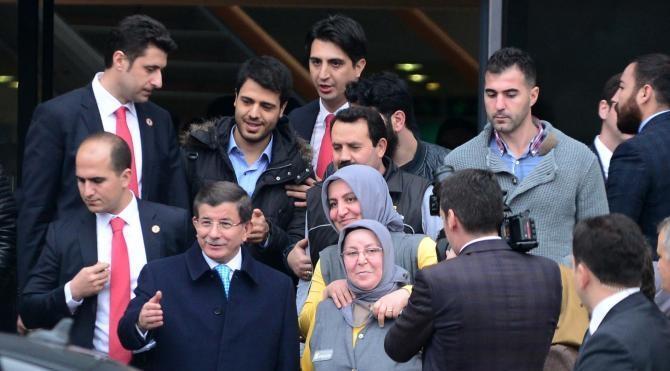 Başbakan Davutoğlu`ndan üniversite ziyareti…