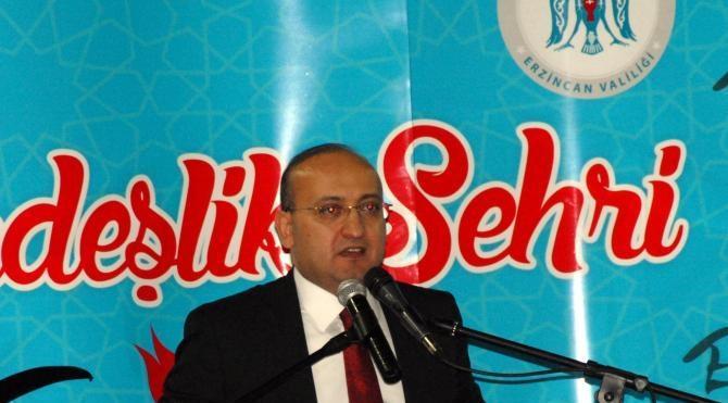 Ahıska Türklerine Erzincan`da çiçekli karşılama