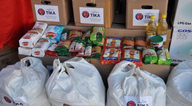 TİKA, Tuzhurmatu`ya 300 ailelik yardım gönderdi