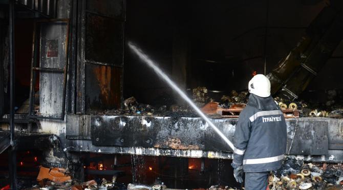 Bursa´daki tekstil fabrikası yangınında 30 milyon liralık zarar