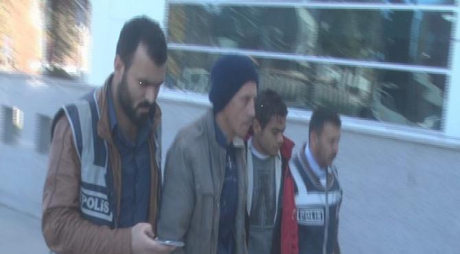 Hastane bahçesinden demir çalan 6 Suriyeli yakalandı