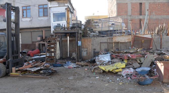Diyarbakır`da hurda yüklenmesi sırasında patlama: 1 öldü