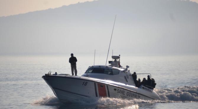 Kaçakları ölümden Sahil Güvenlik kurtardı