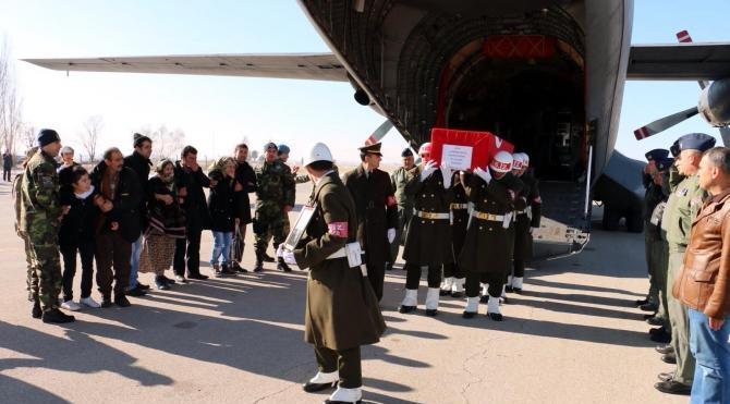 Erzurumlu şehit Uzman Çavuş, eşinin köyünde toprağa verildi
