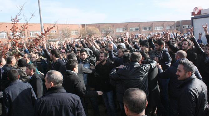 SDÜ`de kavga: 4 yaralı, 43 gözaltı