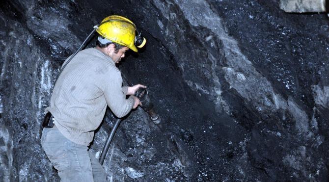Madenci, yeni yılda işten çıkarmaların sürmesinden korkuyor