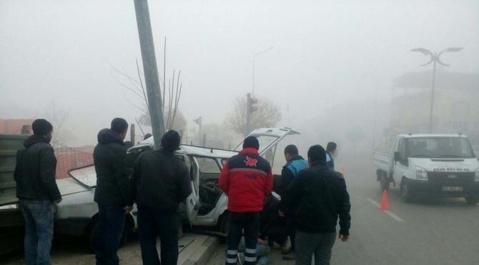 Manisa`da sis kazası: 2 yaralı