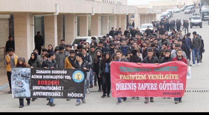 Harran Üniversitesi`nde Uludere protestosu