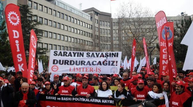 Fotoğraflar Kadıköy`deki yürüyüşe polis engeli