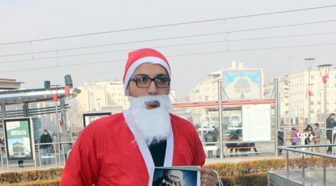 Kayseri´de Noel´e karşı, Noel babalı eylem