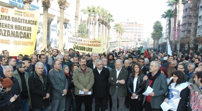 DİSK, KESK ve TMMOB İzmir`den `barış` çağrısı yaptı
