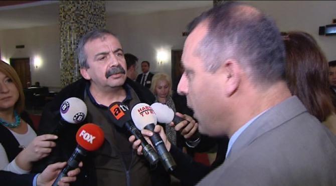 HDP`li Önder`den meclisteki görevliye : Basın bu, neyin yasağı diyorsun?