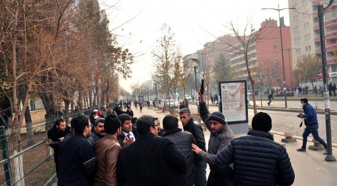 Batman`da HDP`li vekil Aslan ile polis arasında gerginlik