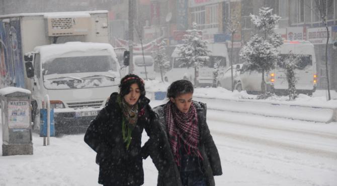 Hakkari`de kar yağışı