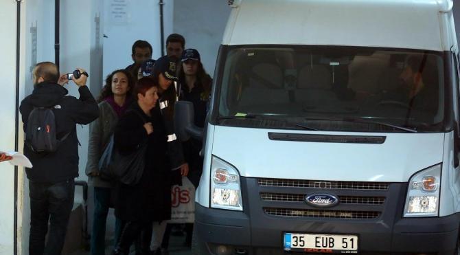 HDP İzmir il eş başkanları adliyeye sevk edildi –