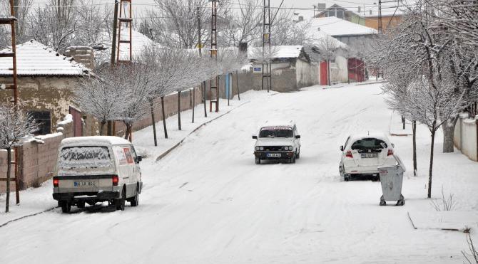 Sorgun`da yoğun kar yağışı