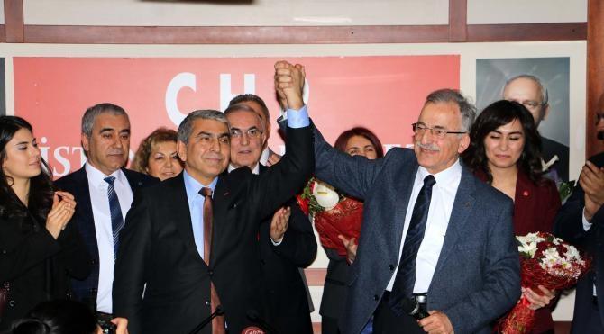 İstanbul CHP`de devir teslim töreni