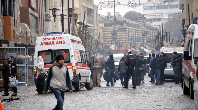 Diyarbakır`da yasağın kalktığı caddede bir çok esnaf işyerini açamadı