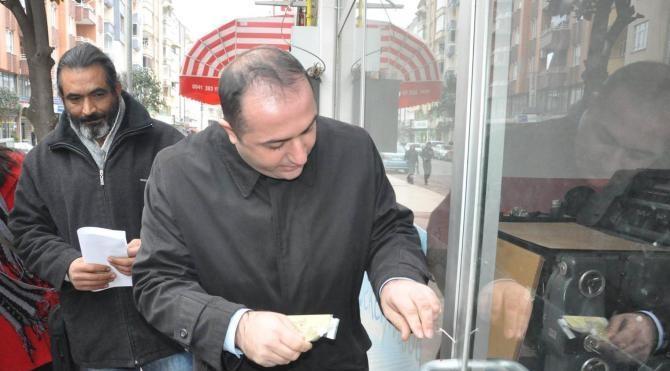 Mühürü söktüğü için dava edilen gazeteci beraat etti (2)- yeniden