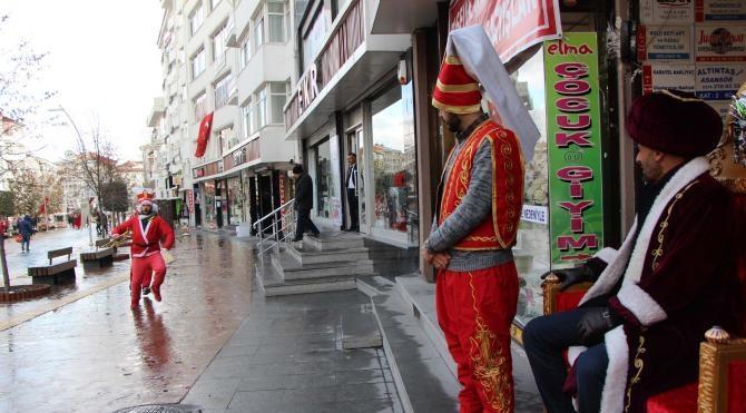 Bolu`da BBP`lilerden `Noel Baba` piyesli yılbaşı protestosu