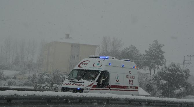 Sinop´ta kar 140 köy yolunu kapattı