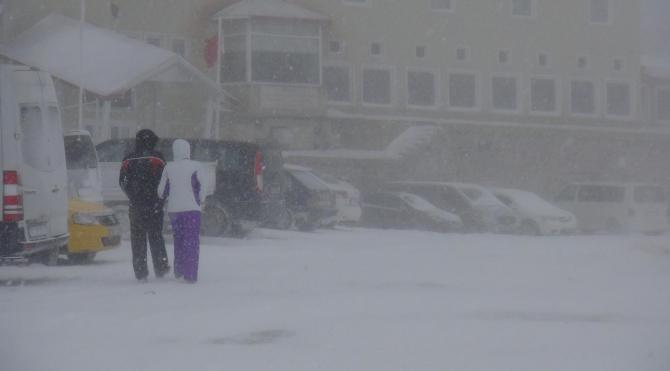 Uludağ´da beklenen kar yağışı başladı