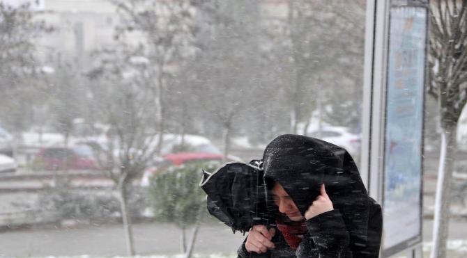 Kocaeli`nde yüksek kesimler karla kaplandı
