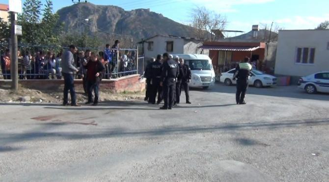 Kozan`da minibüsün çarptığı kız öğrenci öldü