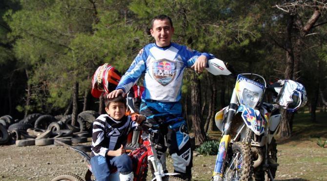 7 yaşındaki Eren`in enduro motosiklet tutkusu