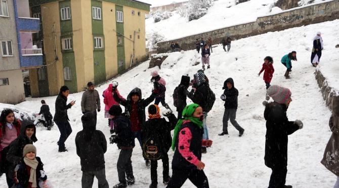 Şırnak`ta okullara kar tatili