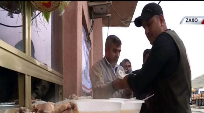 Barzani vakfından Türkiye´ye dönemeyen Türk şoförlere yemek