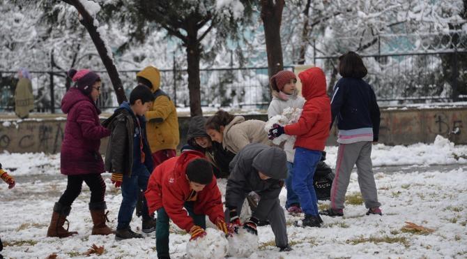 Diyarbakır`da okullarda kar tatili